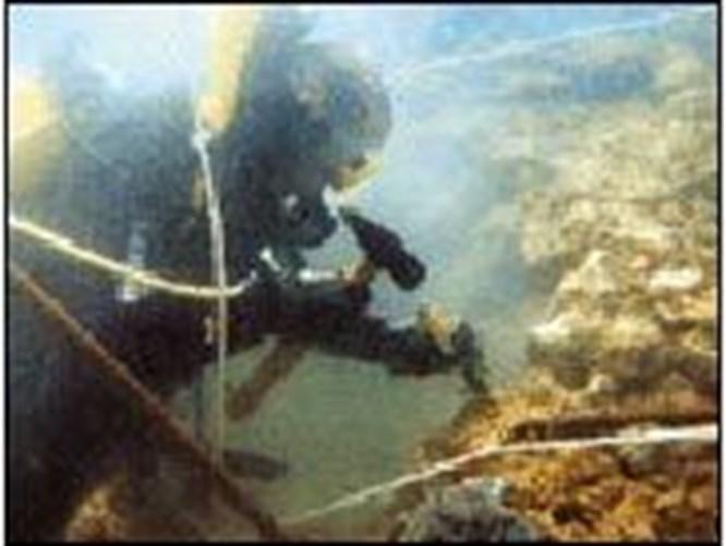 Arkeologlar sualtında kazıyor